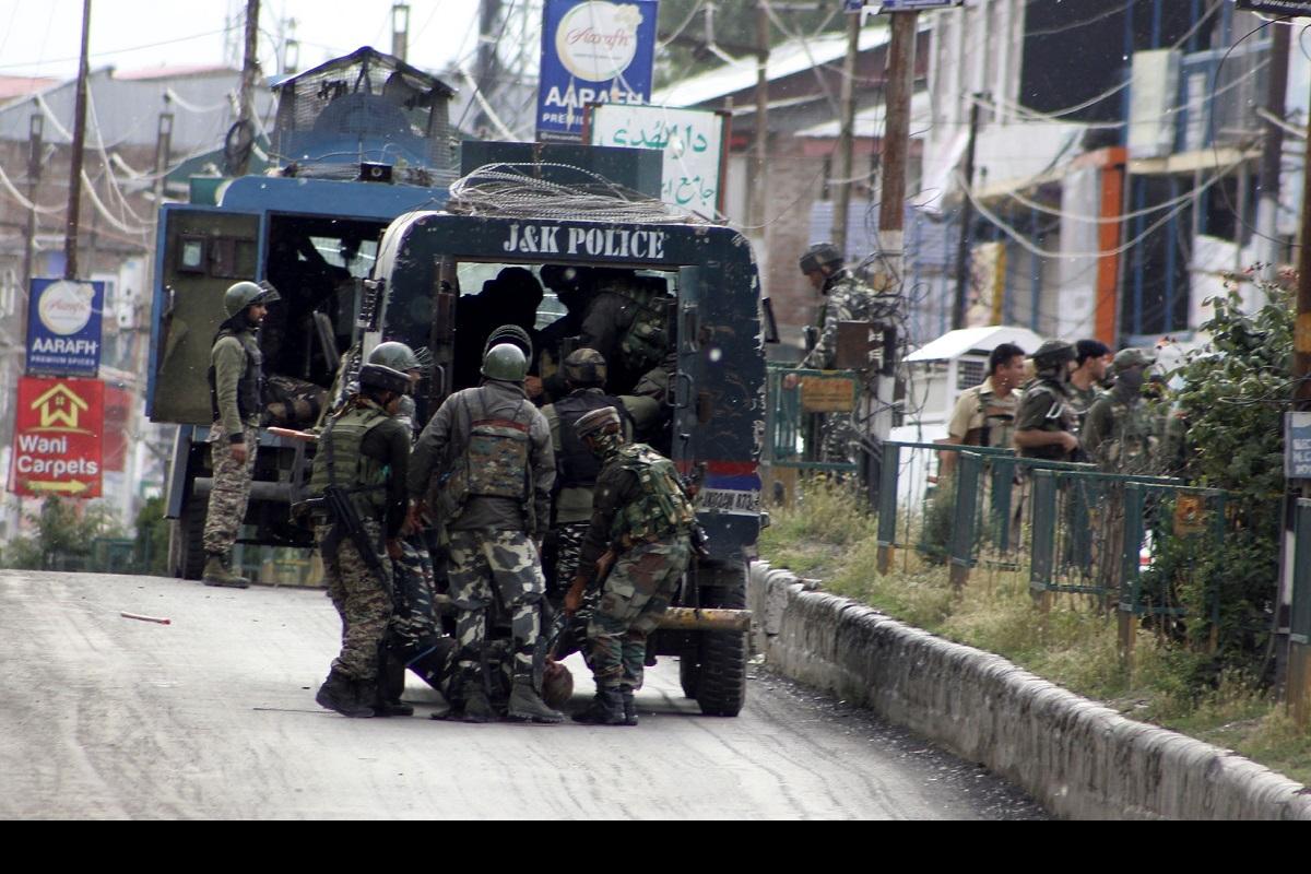 CRPF, Terrorist attack, Anantnag, Jammu, Kashmir, Amarnath Yatra