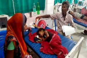 100 children die of Acute Encephalitis Syndrome in Bihar; Harsh Vardhan reviews situation