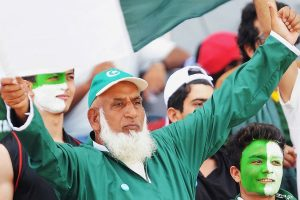 'Chacha Cricket' yearns for 'Imran-Kapil Trophy'