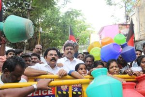 TN water crisis: DMK stages protest against govt, says CM, ministers 'not bothered'