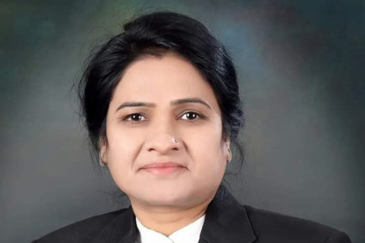 UP, First woman Bar Council chief, Bar Council chief, Shot dead, Agra court, Darwesh Yadav
