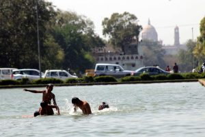 Delhi records its highest ever temperature at 48 degrees Celsius