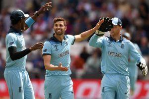 ICC Cricket World Cup: Sri Lanka set target of 233 for England