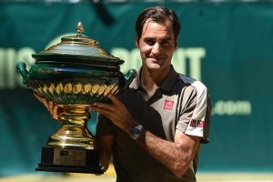 Federer wins 10th Halle title, pursues 9th Wimbledon victory