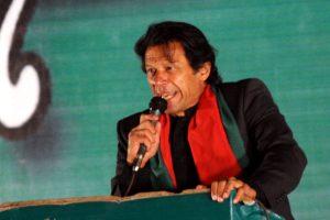 Pak PM Imran Khan takes notice of journalist-Minister altercation