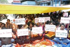 Protesting doctors agree to meet CM Mamata Banerjee but in presence of media