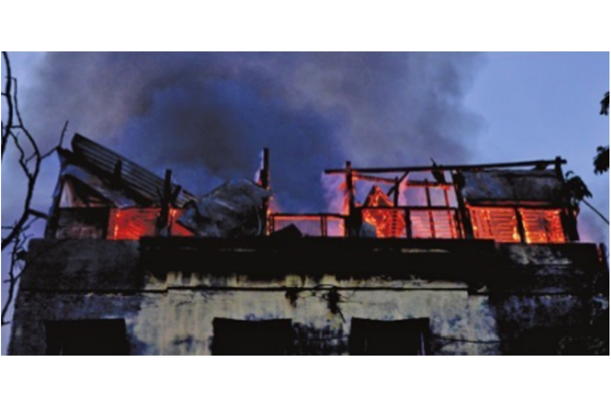 Fire at Lenin Sarani: No deaths, six engines douse flames