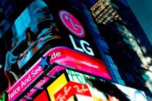 LG expands smartphone portfolio to gain share