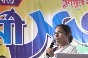 Learn to speak Bengali to stay in Bengal: Mamata Banerjee