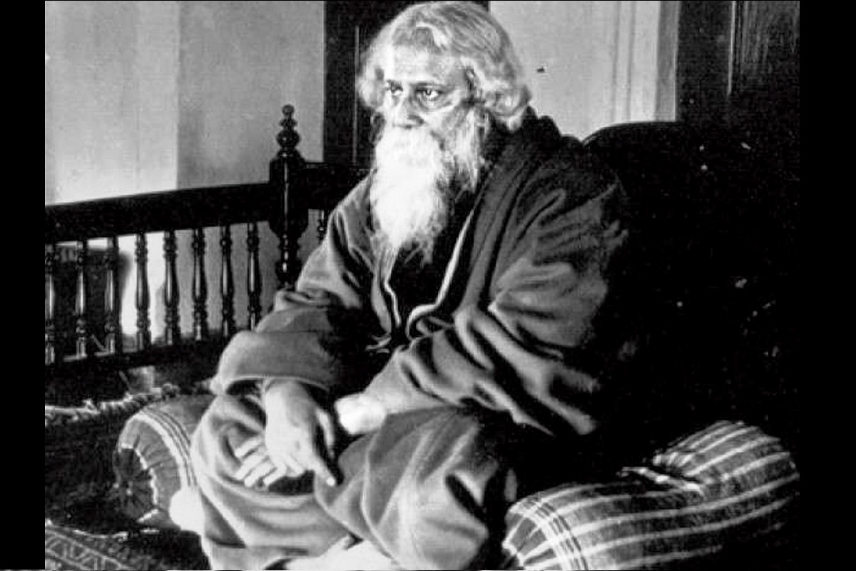 Knighthood renounced, Rabindranath Tagore, Mahatma Gandhi, Rowlatt Bills, Montford Reforms
