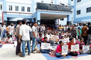 All-India doctors on massive strike today; AIIMS alleges doctor abused