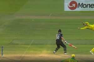 CWC 2019: Steve Smith one-handed stunner against New Zealand stuns Lord's