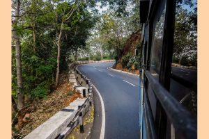 Arduous bus journey linking Delhi to Leh restarts