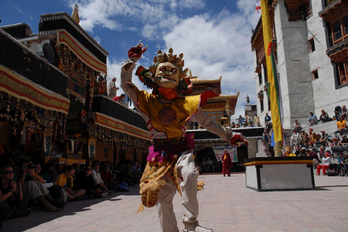 The Mask Dances of Hemis, Hemis, Ladakh ,Ladhaki Buddhist culture, Guru Rinpoche Padmasambhava, Domkhar Rock Art Sanctuary,Nehru Boat Race, Allapuzha, Kerala, Punnamada Lake, Chundan Vallam, Kuttanad, ZiroMusic Festival, Ziro, Arunachal, Apatani tribe, Rajasthan International folk festival, Jodhpur, Mehrangarh Fort ,Rao Jodha Desert National Park, Jaswant Thada, Toorji Ka Jhalra