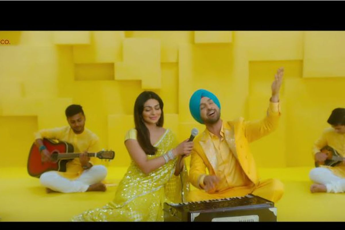 Diljit Dosanjh, Neeru Bajwa paint landscape yellow with Shadaa's 'Mehfil' song