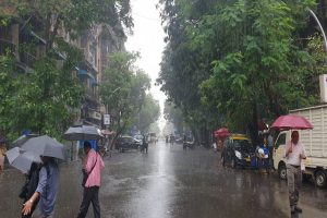 Heavy rains cause waterlogging, traffic jams in Mumbai; IMD predicts more showers in next 24 hours