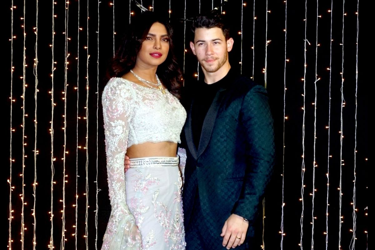 Nick Jonas calls Priyanka Chopra Jonas his 'hot date'