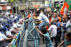 BJP protest march turns violent in Kolkata, police resort to lathicharge, water cannons