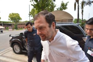 Several Congress leaders resign in support of Rahul Gandhi