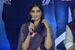 Sonam defends Jahnvi after Katrina's comment