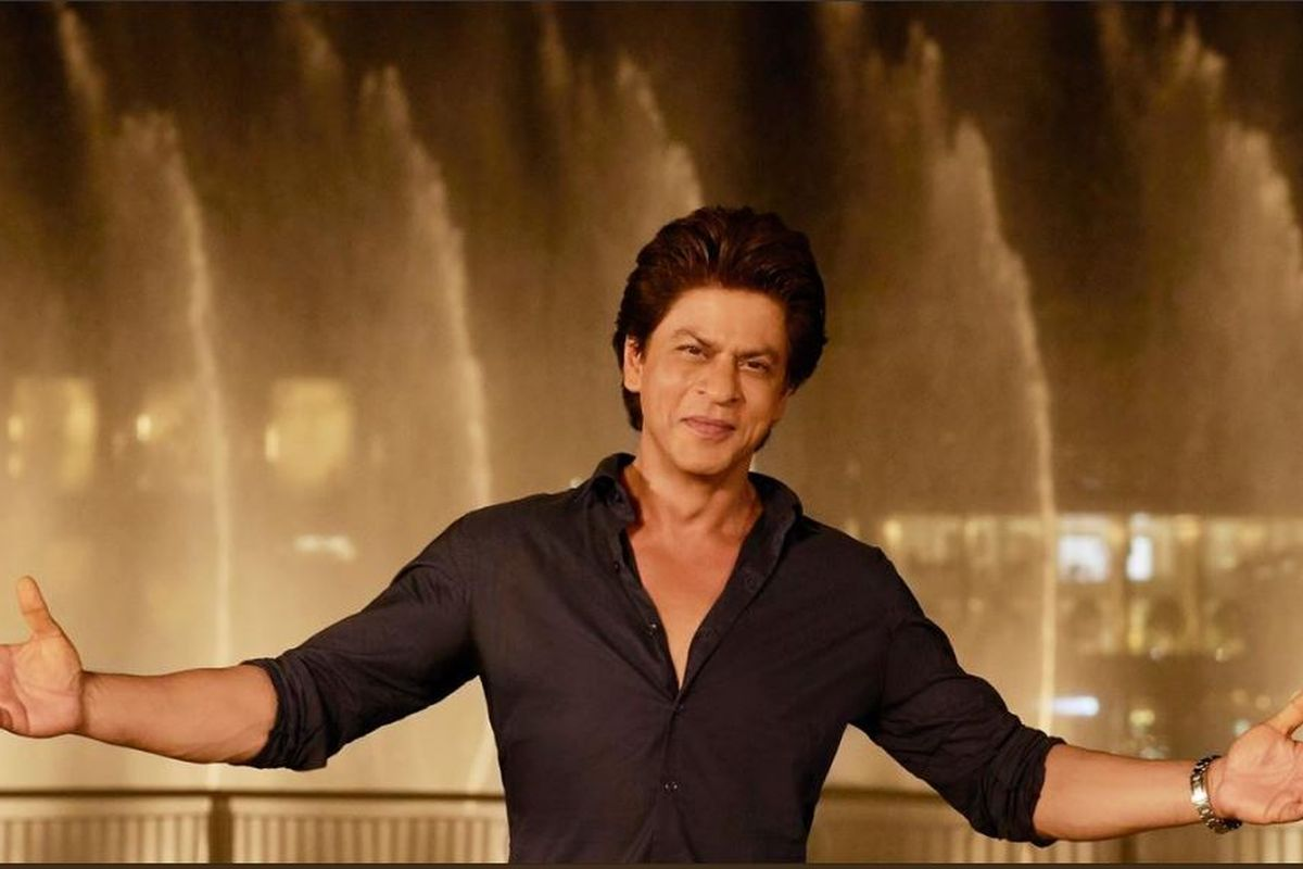 SRK completes 27 years in Bollywood, fans express their love in 90s style on internet