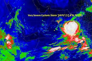 'Very severe' Cyclone Vayu to hit Gujarat on June 13, schools to be shut; MHA issues advisory