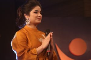 'Dangal' girl Zaira Wasim quits Bollywood, says her 'imaan' threatened