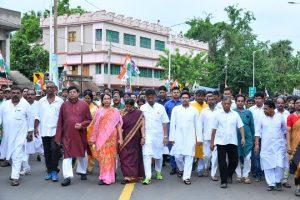 9 TMC councillors of Kanchrapara rejoin Trinamul