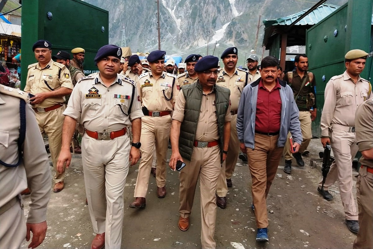 DGP takes stock of security at Amarnath pilgrimage base camps