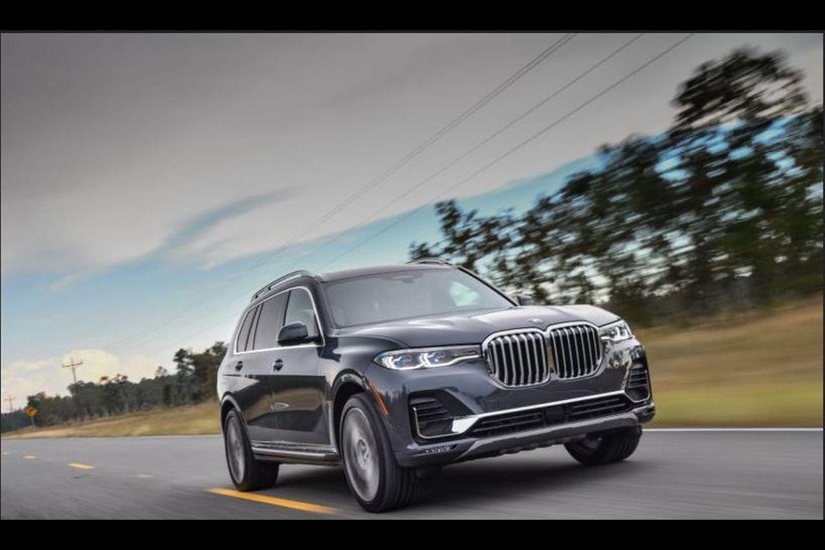 BMW X7, SUV, India, Adaptive air suspension