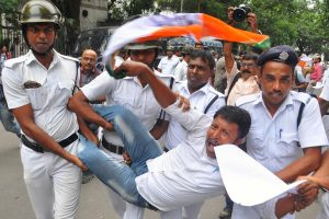 Congress agitates against TMC, police