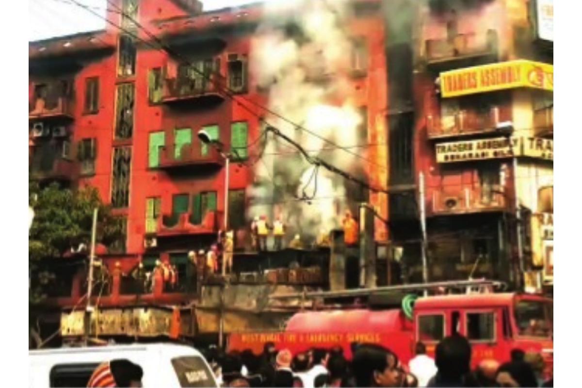 Kolkata Municipal Corporation, Gariahat Hawkers Union, Saktiman Ghosh, The Statesman, Hawkers Sangram Committee