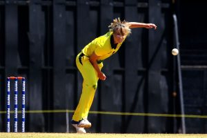 Ellyse Perry extends Sydney Sixers contract for two more seasons