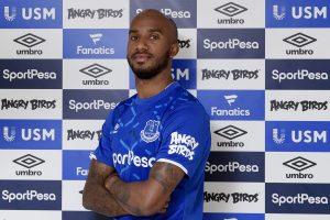 England midfielder Fabian Delph joins Everton