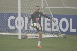 Must have feet on ground in Copa America final: Everton