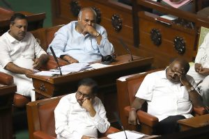 Karnataka govt to face floor test by 6 pm; Congress mulling disqualification of rebels