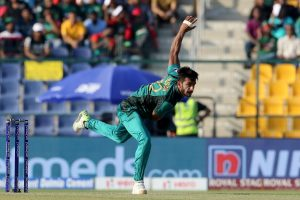 Hasan Ali trolled for walking the ramp with 'rib fractures'