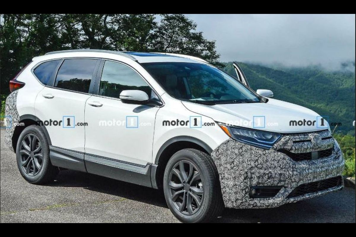 Honda CR-V facelift spied, not expected in India before 2020