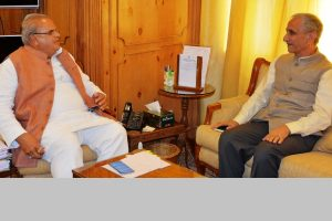 Centre's special representative on Kashmir meets political leaders in valley