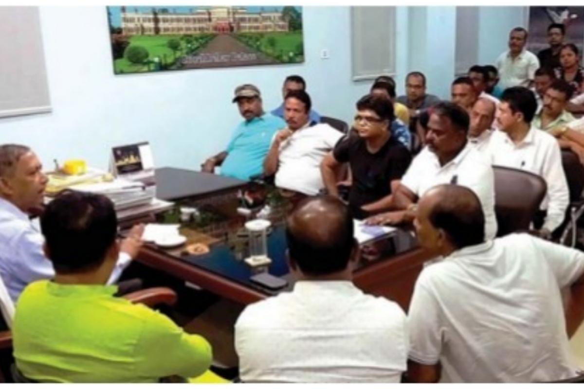 Tourism minister, Goutam Deb, Bidhan Market, Darjeeling, District Magistrate, Siliguri News