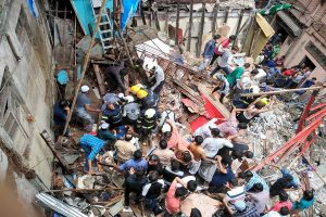 5 dead, at least 40 feared trapped as 100-year-old building collapses in Mumbai's Dongri