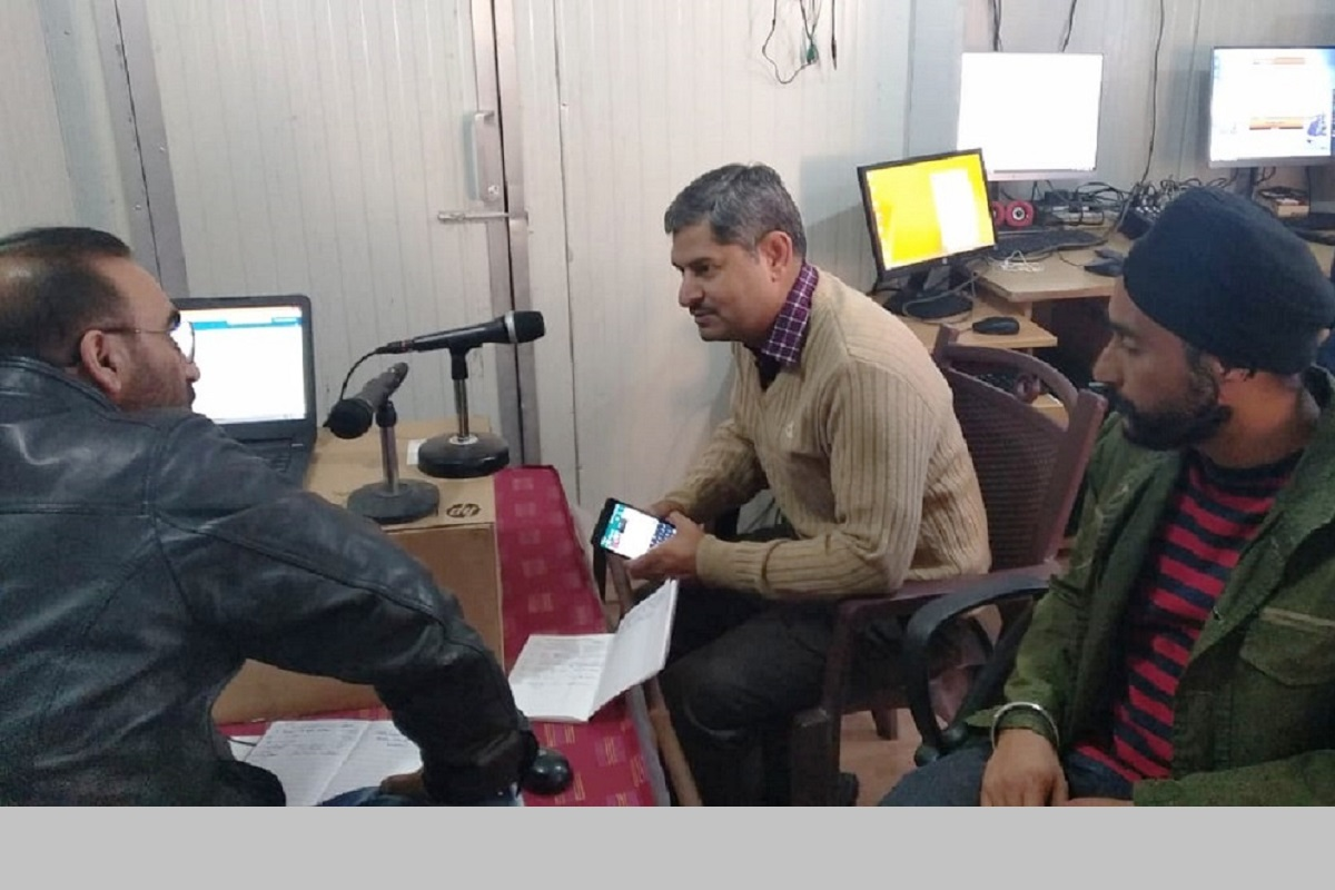 FM radio station on Amarnath routes proving handy for pilgrims