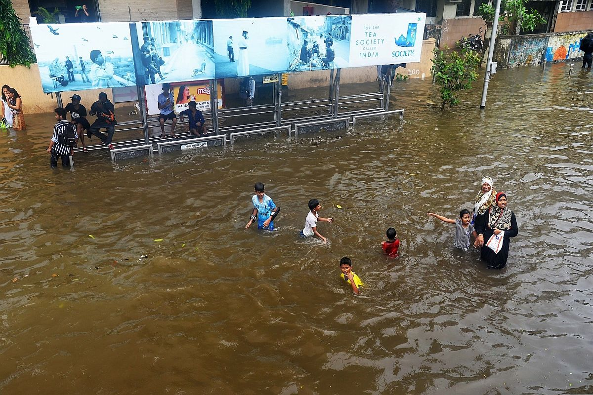 Mumbai rains, Road, Rail traffic, BMC