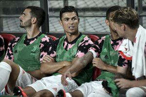 Show me the money: South Korean soccer fans to sue over Ronaldo benching