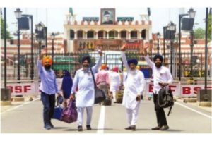 Pakistan allows Sikh pilgrims to visit Nankana Sahib