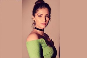Sonam Kapoor scores 20 mn Instagram followers