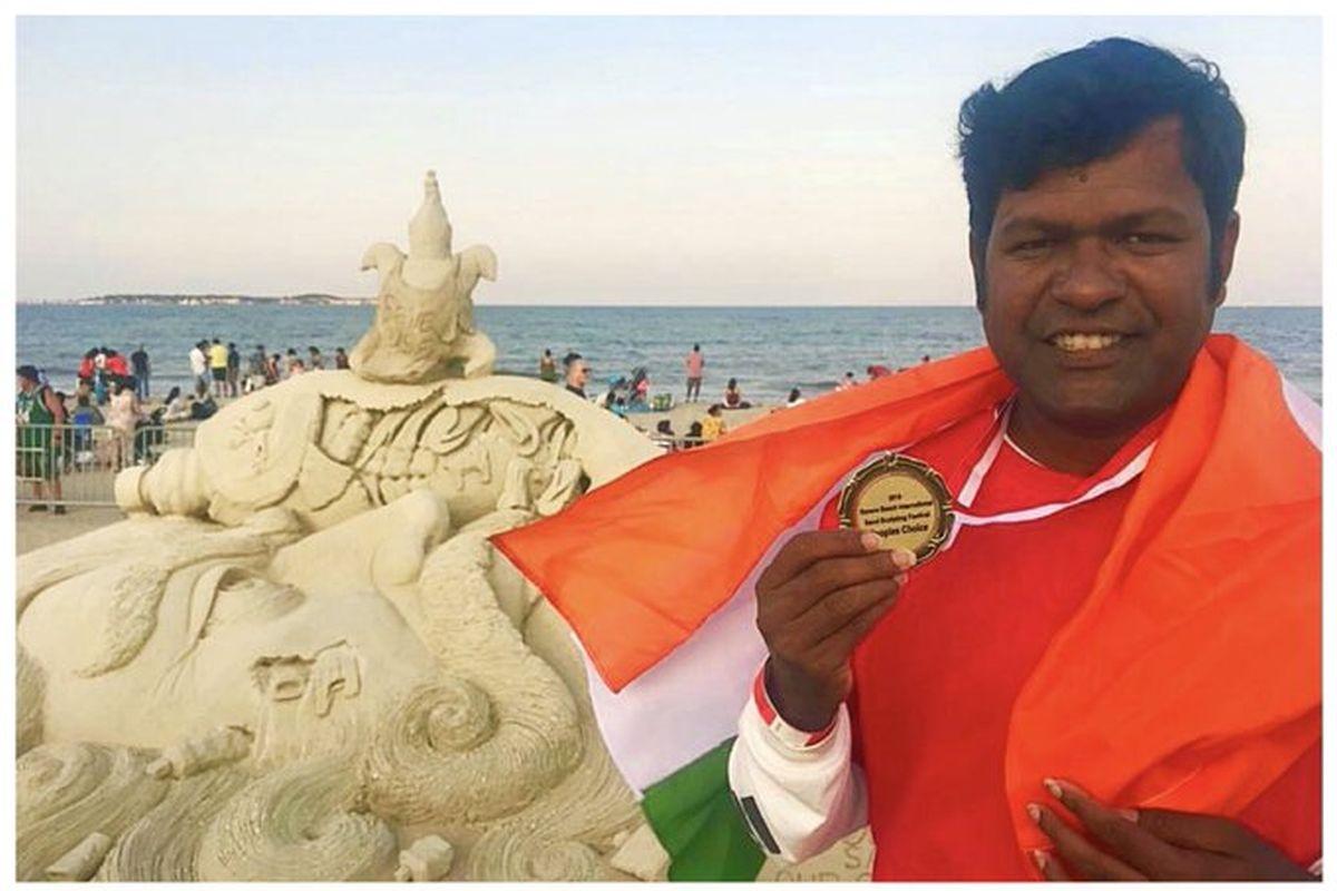 Sand artist Sudarsan Pattnaik wins People's Choice award in US