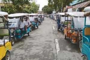 Raiganj toto drivers protest 'ban plan'