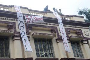 Trinamool's union member beats up college professor