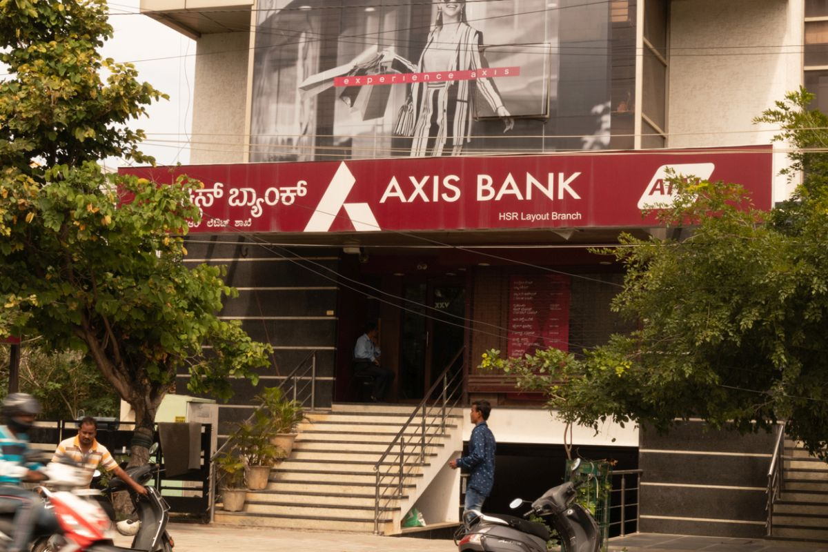 Axis Bank to raise Rs 18,000 crore